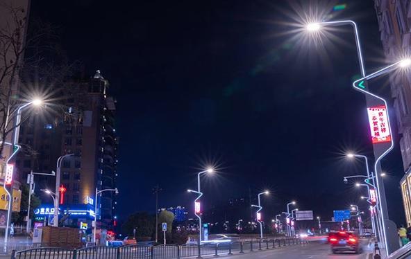 山西智能路灯变成聪慧城市不可缺少的一部分