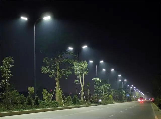 山西LED灯厂家:LED灯的发亮原理是什么-金三普