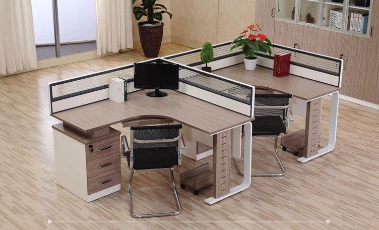 成都辦公家具廠家為你講解員工辦公桌選擇上要注意什么?