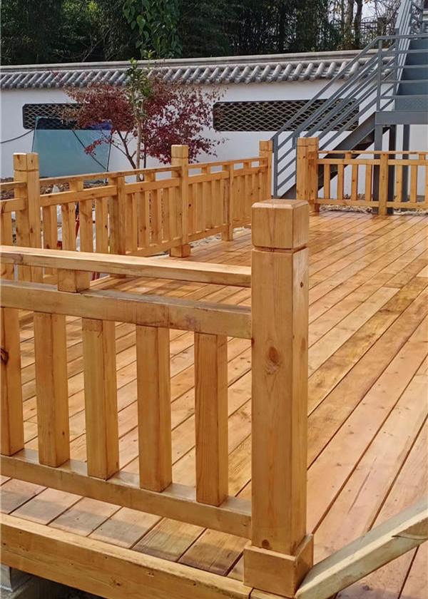 阳台防腐木的应用