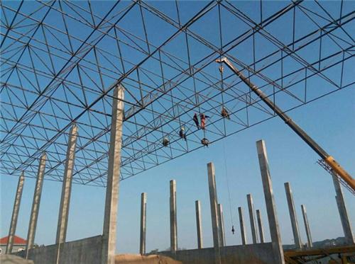 鑫天赐钢结构:网架普遍三种结构