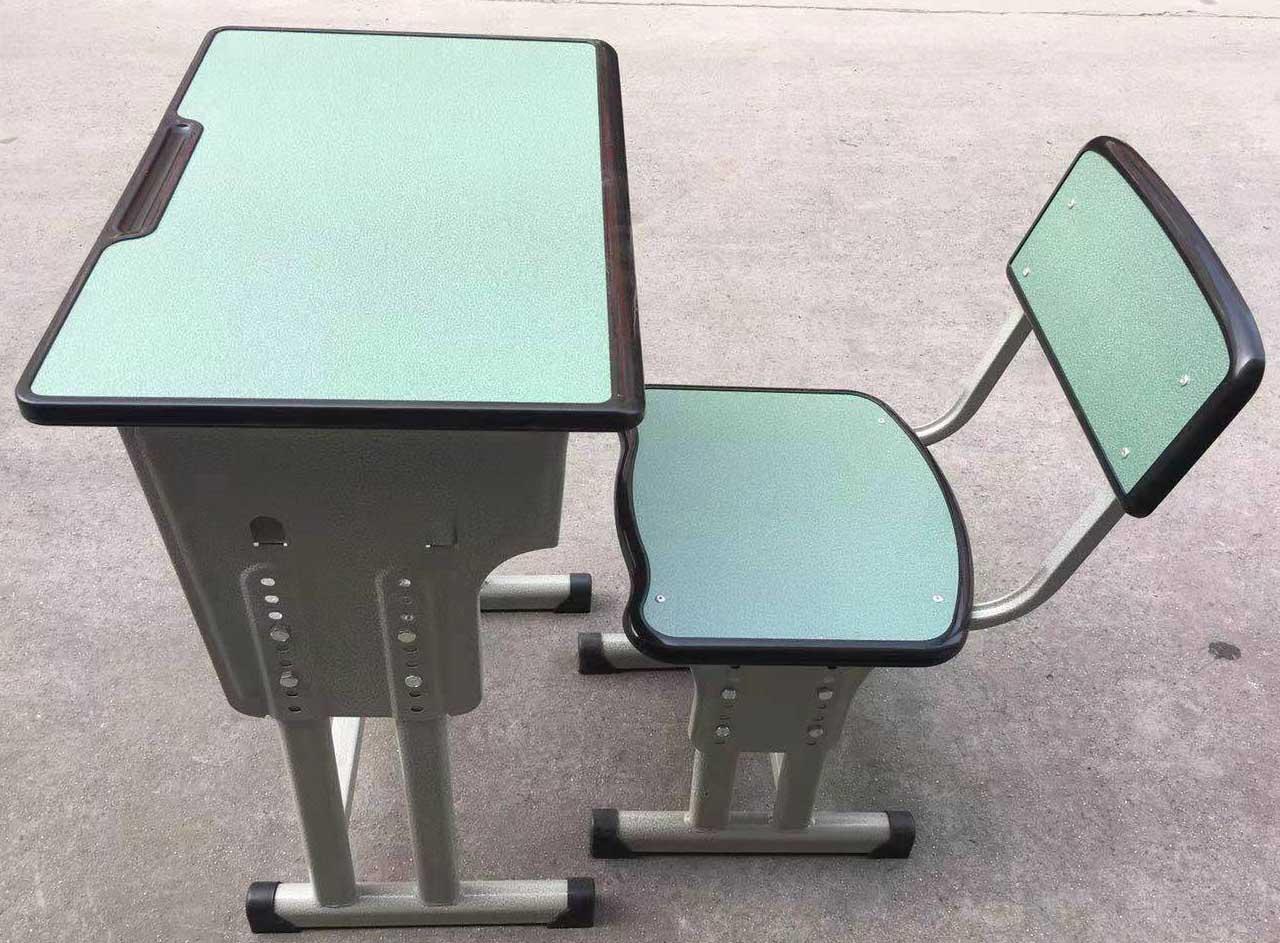 成都课桌椅安装