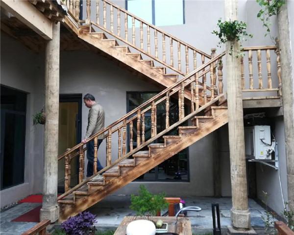 陕西防腐木楼梯