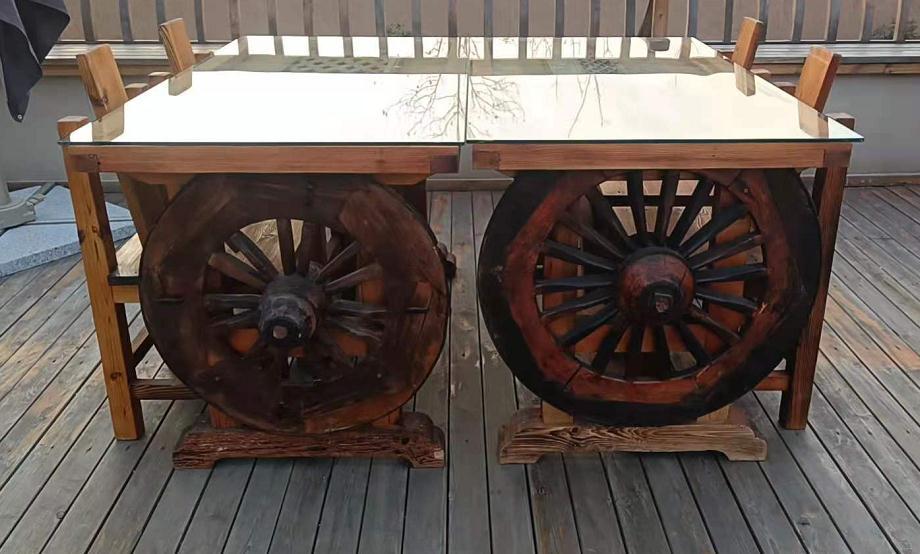 防腐木桌子