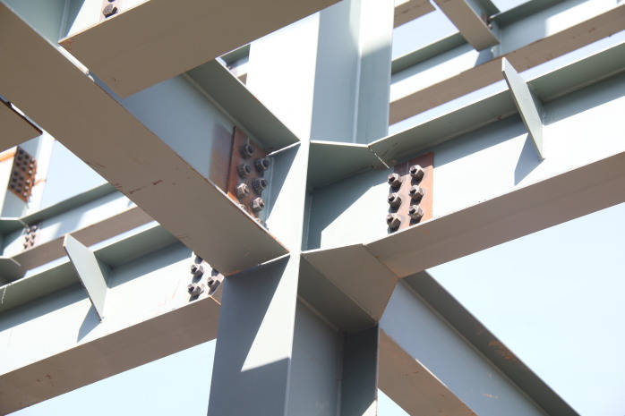 钢结构厂房能抵抗地震的振动吗?