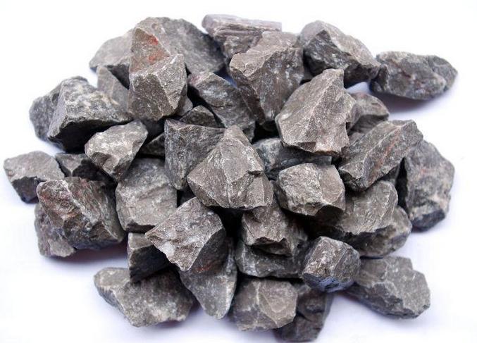 成都石灰粉撒在土壤里有什么效果?哪种石灰粉不能直接使用?不要搞错