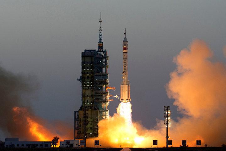 神舟十二号发射,三位航天员飞向空间站,我们离「天宫」更进一步