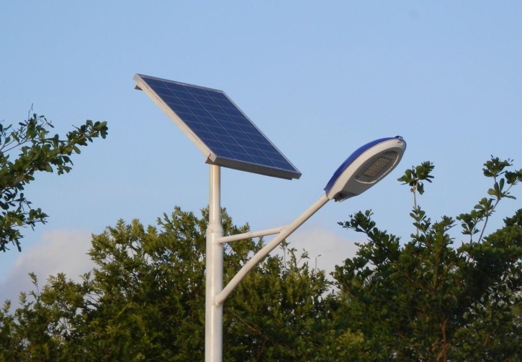阴雨天四川太阳能路灯可以正常工作吗?