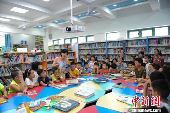教育部:不得在校园内通过举办讲座等销售课外读物
