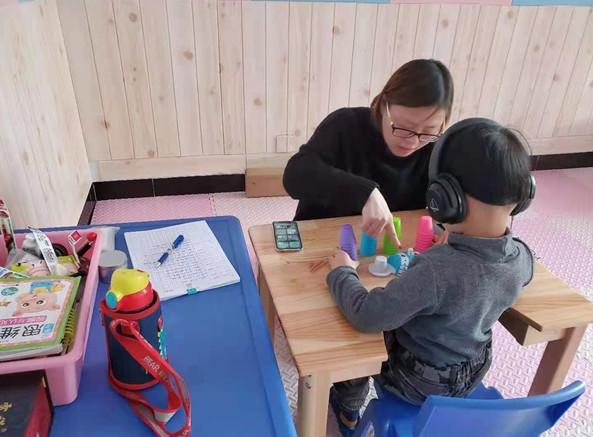 自闭症的孩子可以做干预认知训练