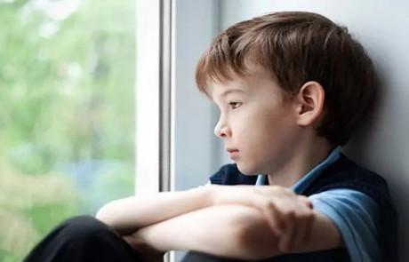 患有孤独症儿童的生理特征是什么?