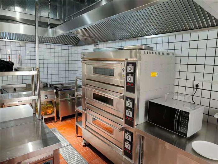 百思达厨房设备安装