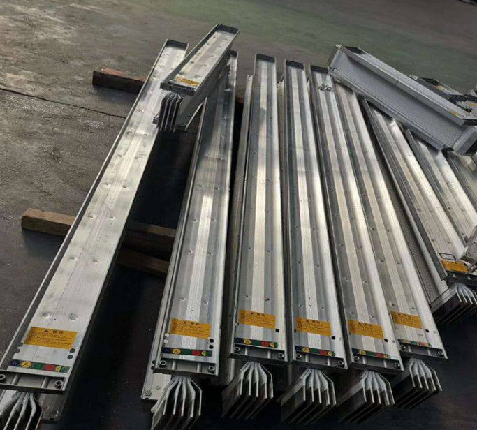 关于陕西安装电缆桥架时应该注意哪些问