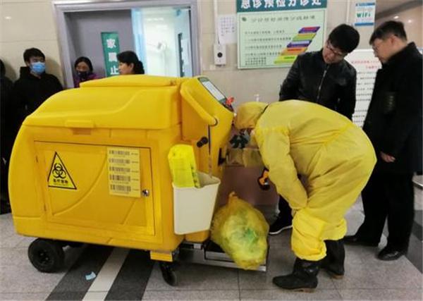 电动医疗废物收集车有哪些优势?垃圾清理还能实现智能化管理?