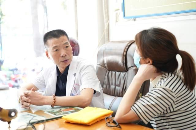 六代传承专攻眼科 漯河这位医生为黄斑变性患者带来福音