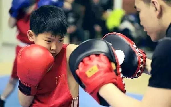 成都青少儿拳击|拳击训练对青少年的积极意义!