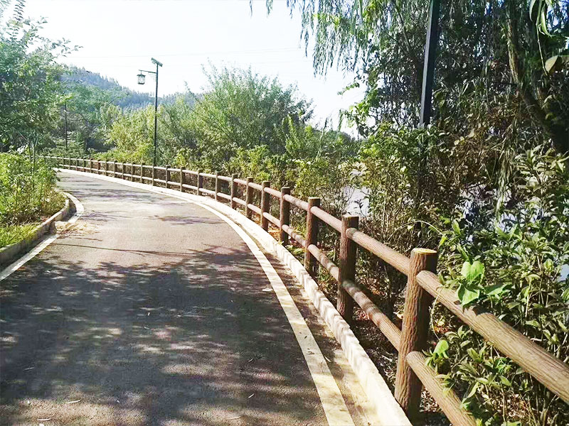 水泥仿树皮梯形护栏