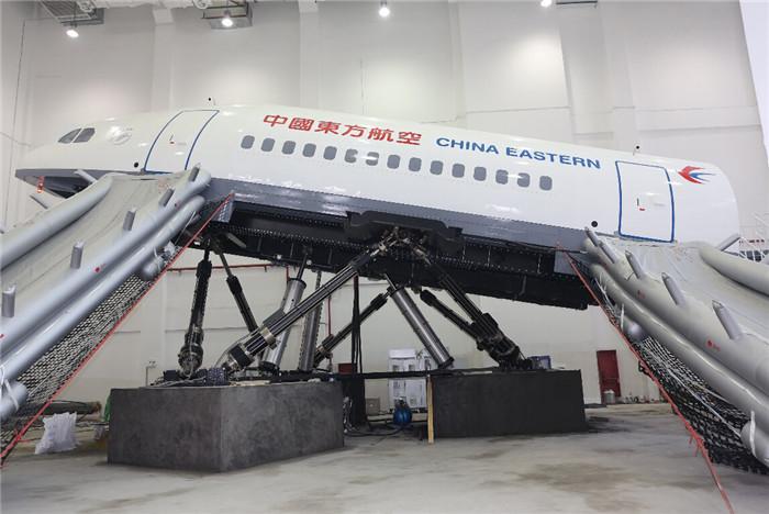 A330动态撤离训练舱