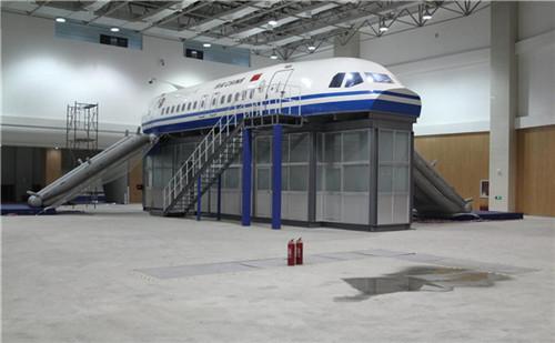 你知道飞行仿真模拟器的座舱构造是什么样的吗