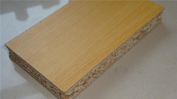 你知道实木颗粒板到底好在哪?快去收藏吧!