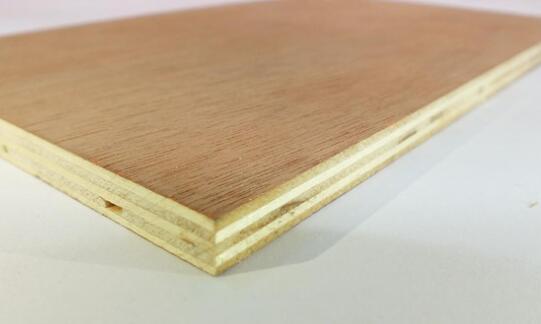 今天带你了解下实木多层生态板的优点和选购方法