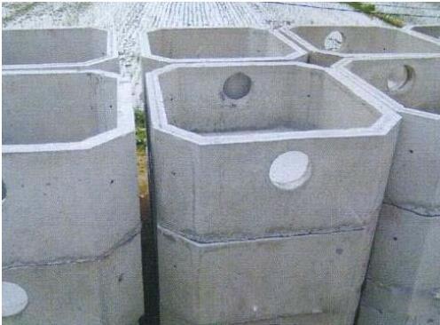 西安水泥检查井在施工的时候需要注意哪些细节问题呢?