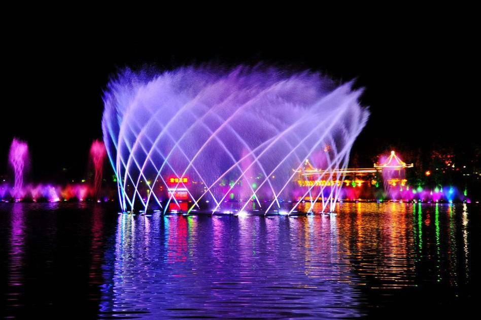 湖面喷泉效果展示