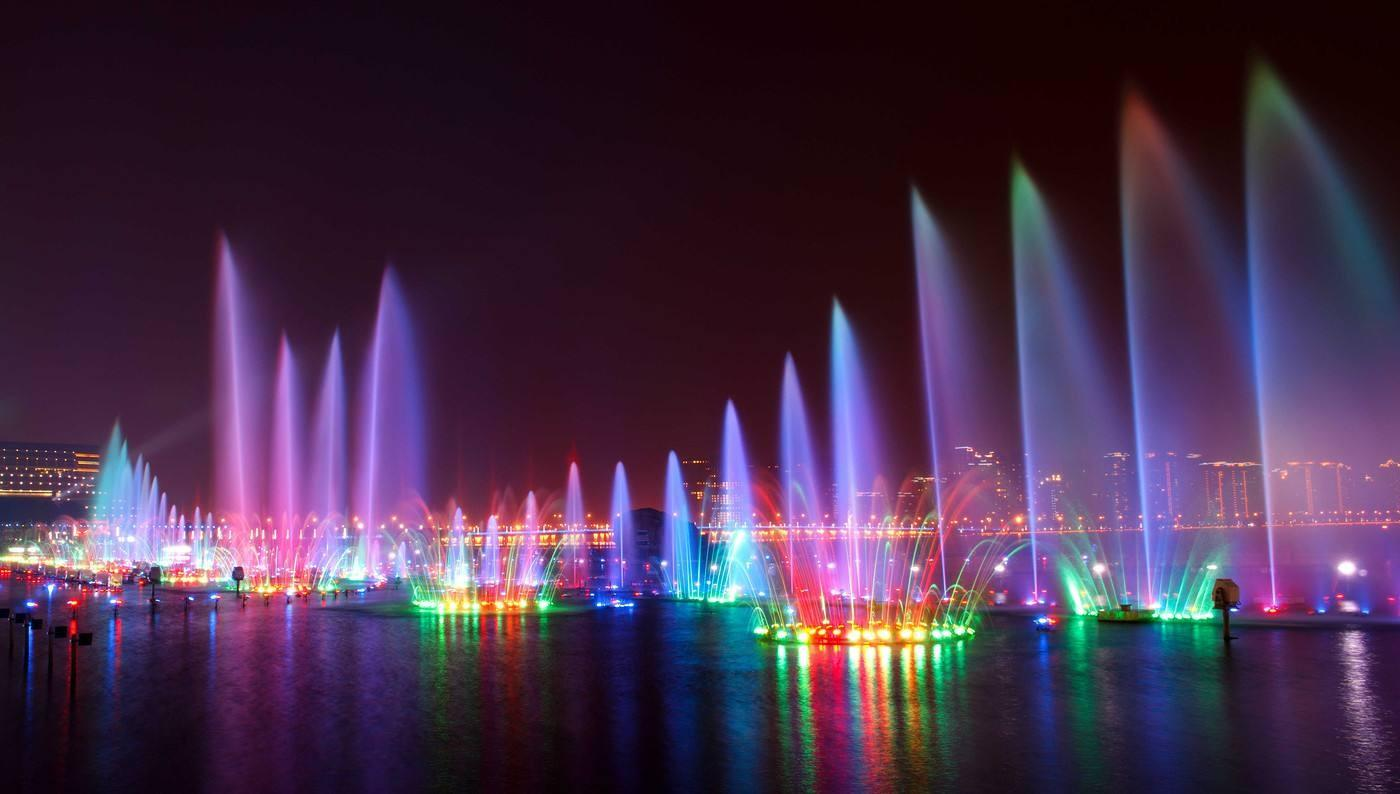 成都大型湖面音乐喷泉设计
