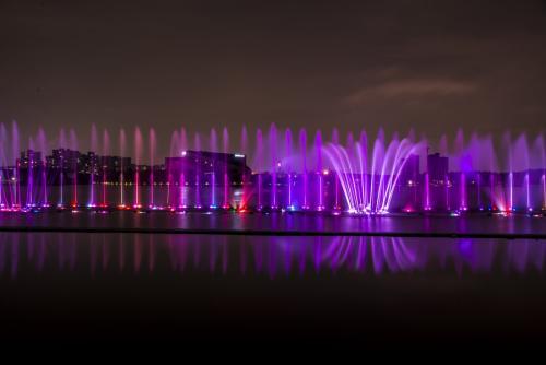 四川音乐喷泉在夜间灯光效果需要注意什么?