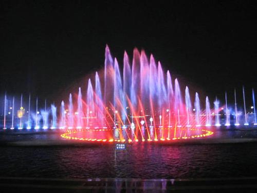 四川音乐喷泉装置需要定期的更换设备与清洗