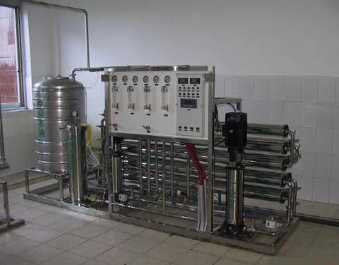 快来了解纯净水设备配备过滤装置的原因吧,西安净化水设备厂分享