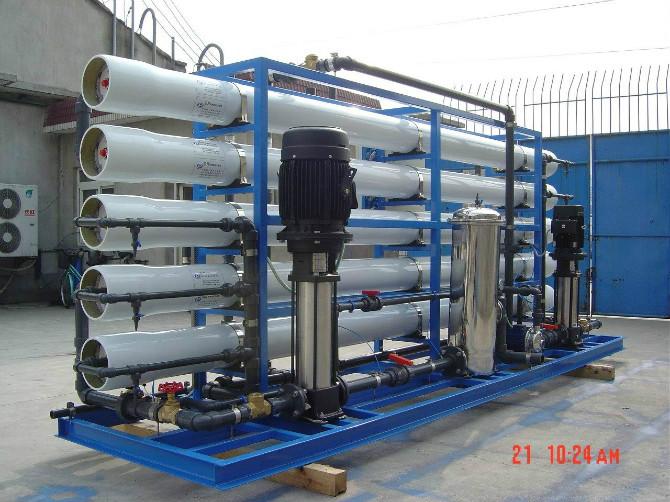 怎么选购纯净水设备?西安净化水设备厂来教大家