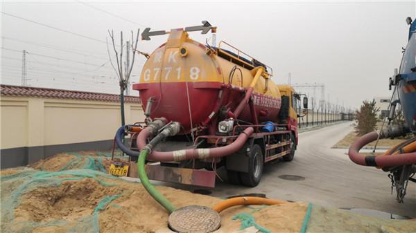 西安某小区污水清运