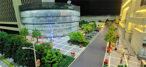 省人大常委会副主任、市委书记郭青等人参观指导我公司数字产业园沙盘