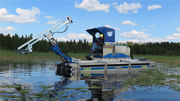 水陆两栖作业车