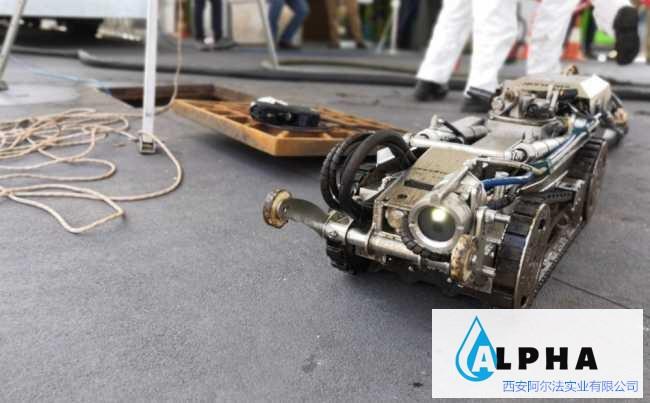 阿尔法阿尔法水下作业机器人,从淤泥绞散、吸除、到过滤、分离一体化完成