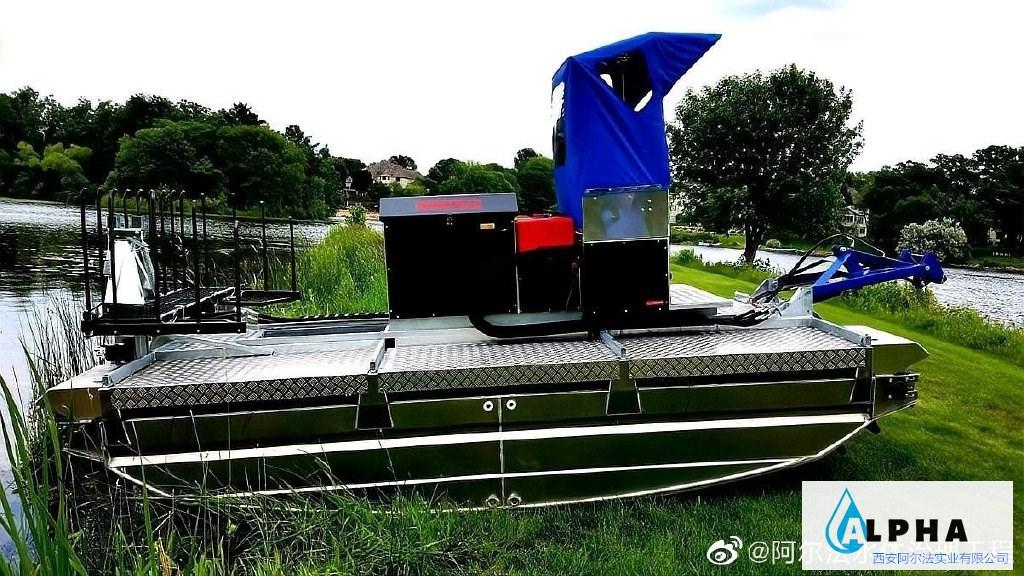 水域施工水陆两栖作业船