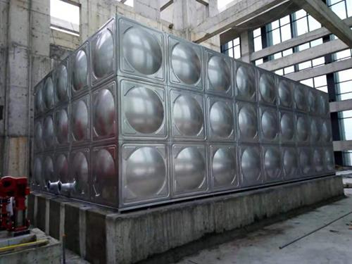 成都不锈钢保温水箱安装成功案例