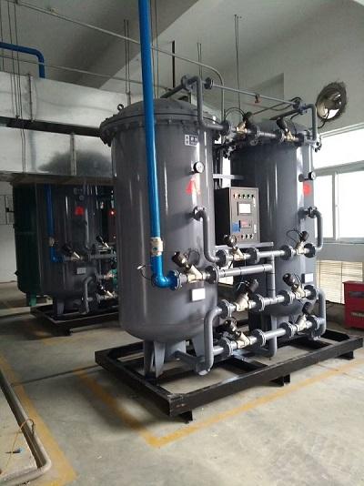 某化工企业两台300立方,纯度99.9%制氮机现场