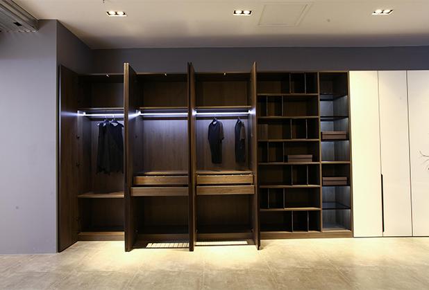 主卧定制衣柜的时候有哪些不同的材质?