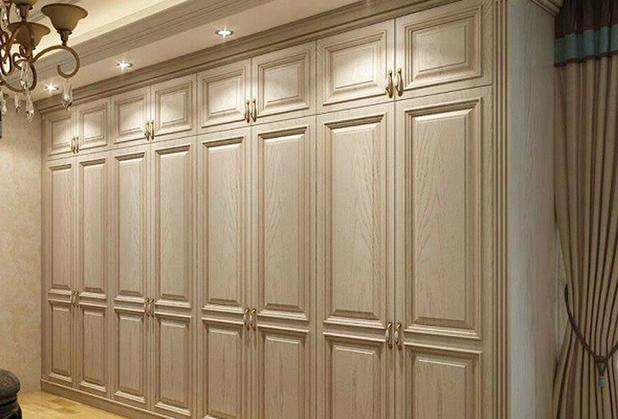 成都定制衣柜的优势有哪些?从价格空间方面进行考虑!