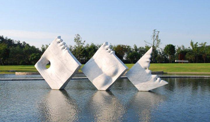 主题公园设计的基本要求为雕塑设计!