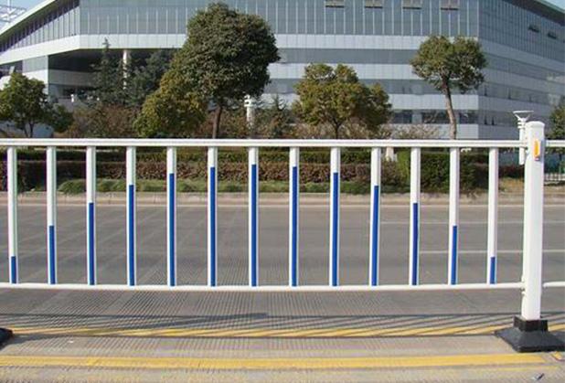 成都市政护栏施工