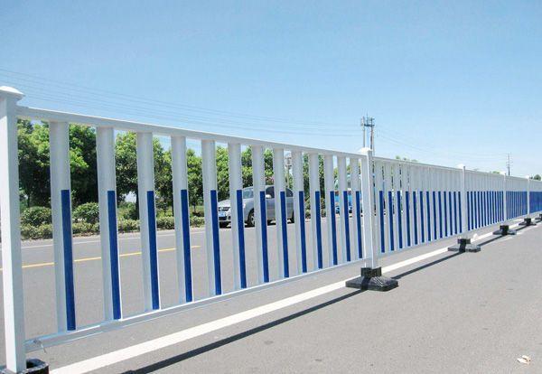 成都市政护栏的安装方法,使用期限以及有哪些优点?