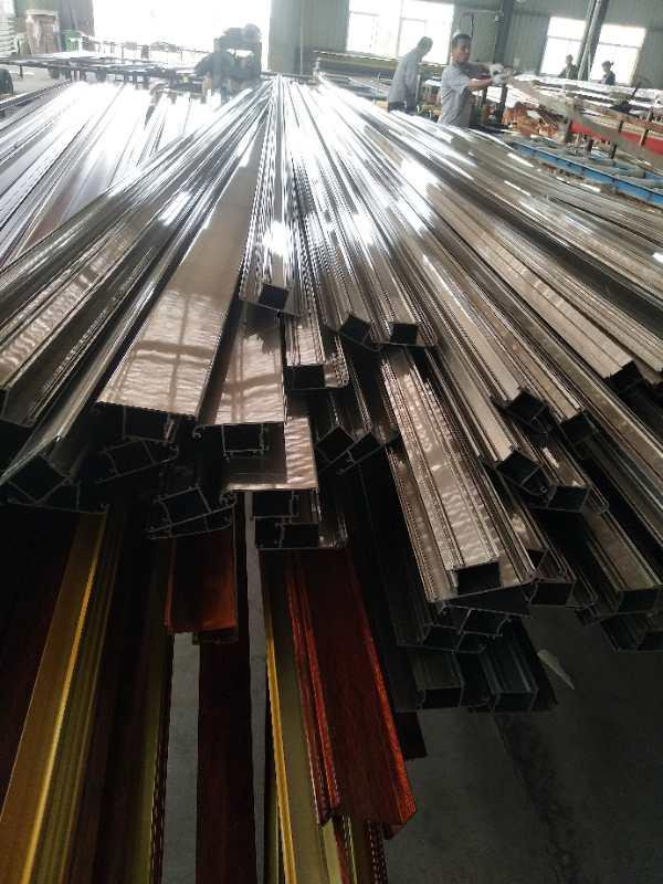 工业铝型材制作有哪些优势?在购买铝型材时需要注意哪些问题?