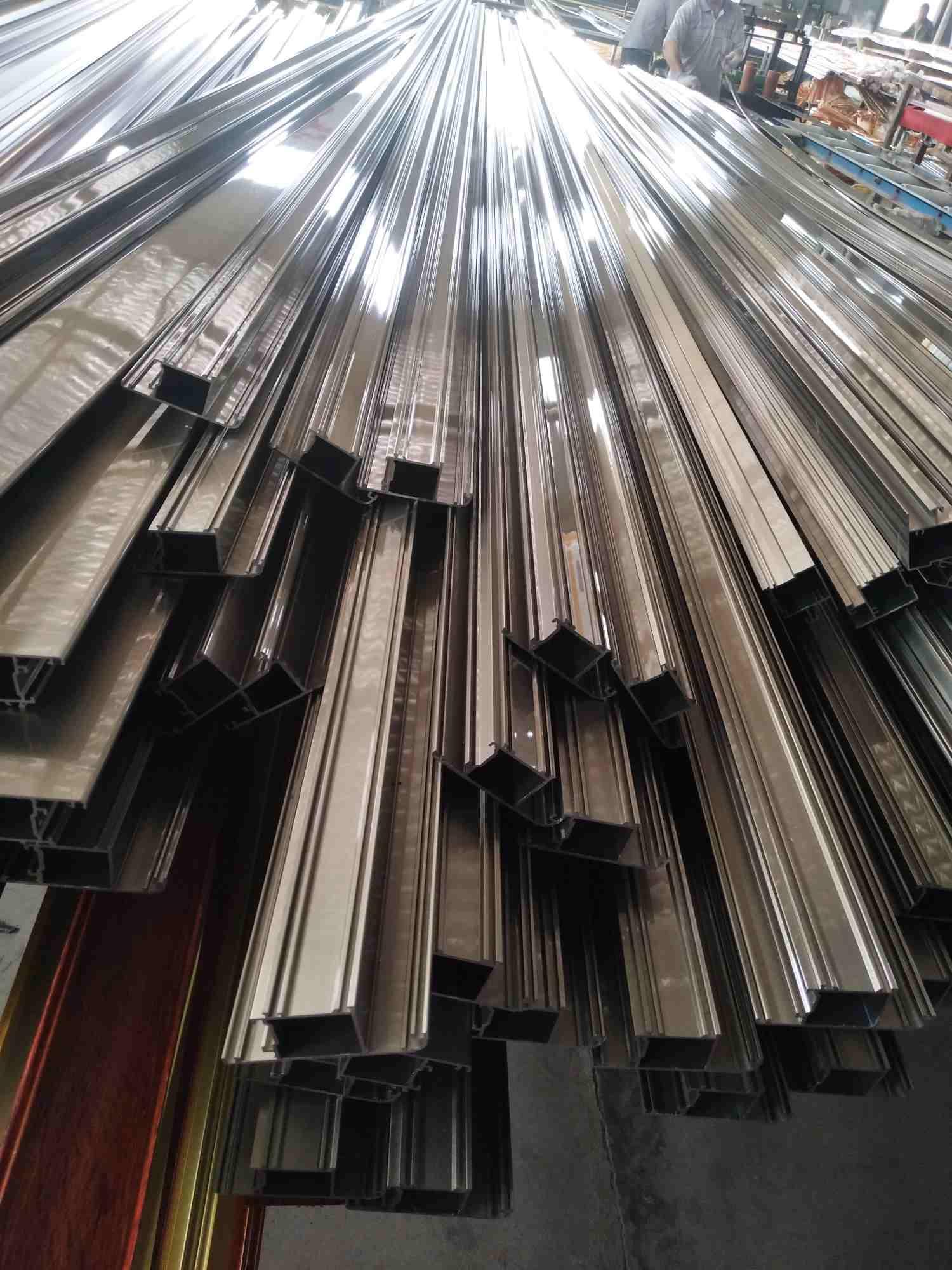 高科铝业告诉您铝型材挤压方法分类是这样的