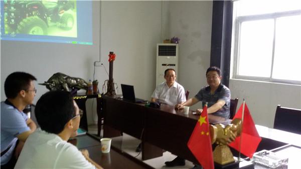 西安工程大学教授前来进行数码印刷学术研讨