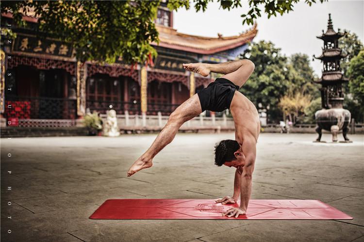 如何提高瑜伽教培教练的水平?西安瑜伽教练培训公司来支招