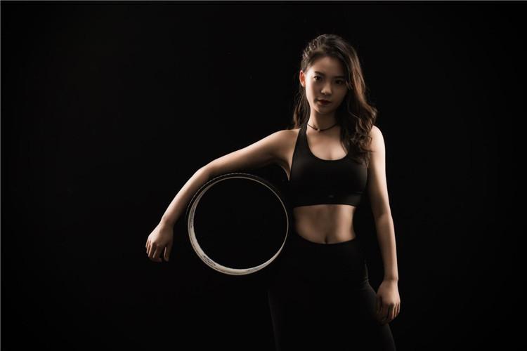 这些练习瑜伽的辅助用具你知道吗?西安瑜伽培训公司给大家分享