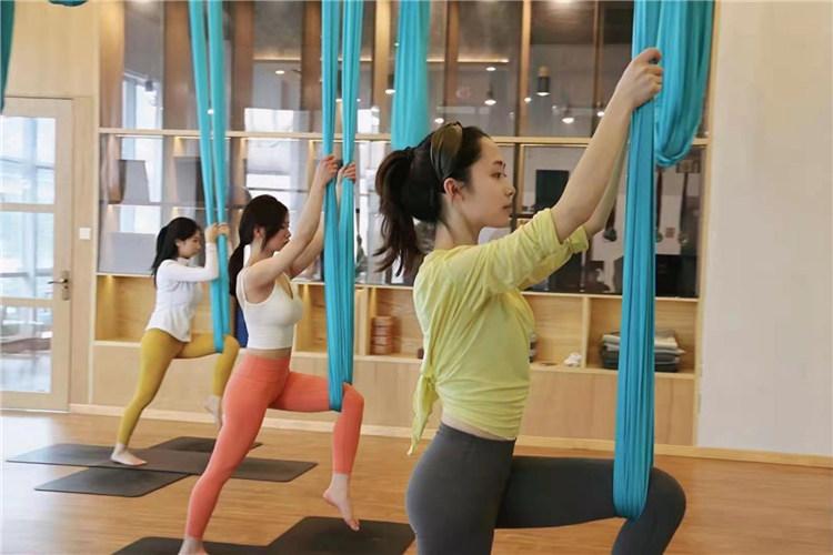 原来春季联系瑜伽动作要了解这么多,跟西安瑜伽培训公司来看看